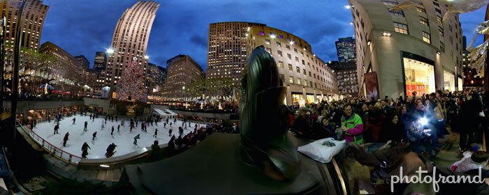 xmas-tree-rockefeller-center-2010-panorama