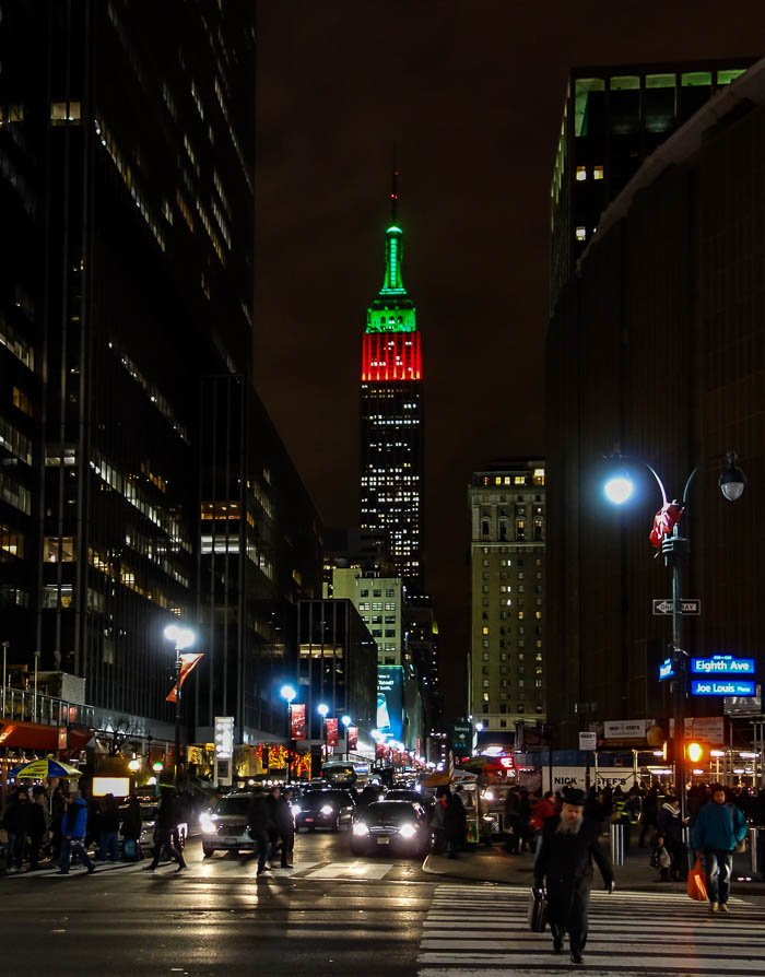 Christmas 2012 NYC – Empire State Building in Red & Green ...