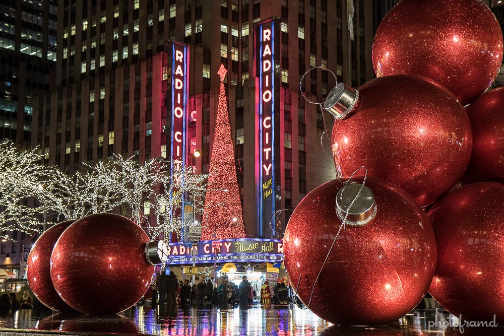 Sure, you have been to Rockefeller Center to see the Tree. But, did you  know that behind the Tree on Avenue of the Americas, there are several more  sights ... - Behind Rockefeller Center 2015 €� Christmas Decorations Photoframd.com