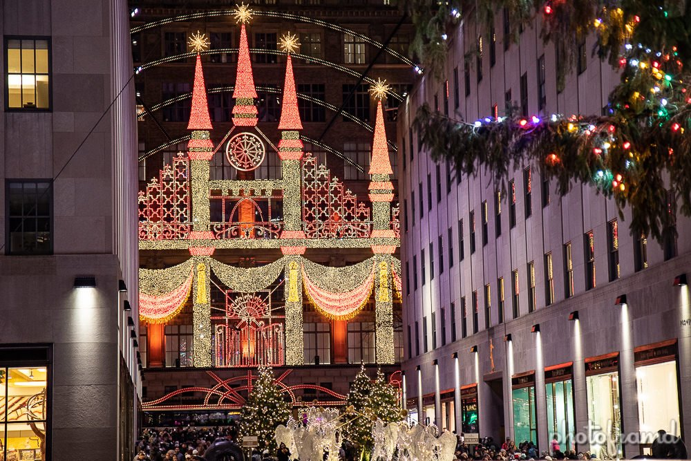 Nyc Christmas Windows 2018 Saks Fifth Avenue Photoframd Com